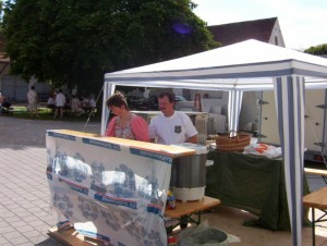 26_06_2004 Grillfeier Schuetzen - Die Boeller vor der Feier 2